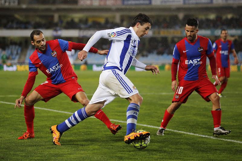 Oyarzábal jugó un gran partido y el mexicano Diego Reyes marcó el gol para la Real Sociedad.