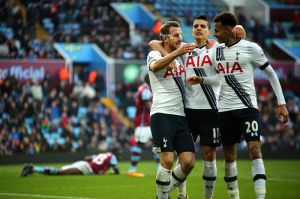 Doblete de Kane acerca al Tottenham al líder Leicester