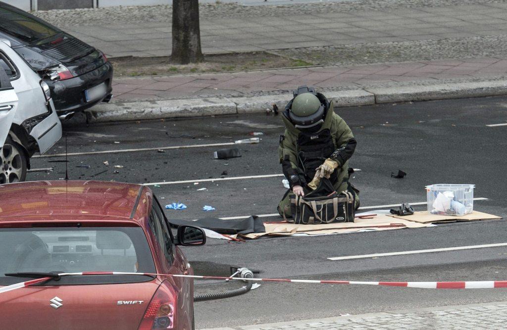 Según las primeras investigaciones, la detonación fue provocada por un artefacto explosivo.