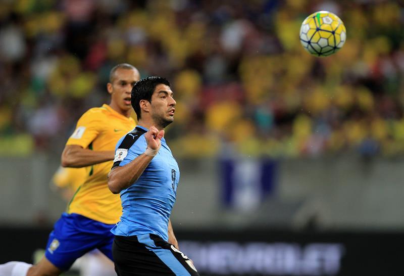Luis Suárez volvió y quedó tercero como goleador histórico de las eliminatorias