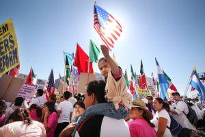 Llaman a comunidad inmigrante a la marcha del Primero de Mayo