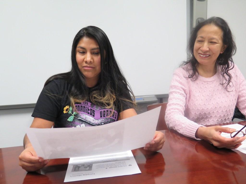Las estudiantes Luz María Aguilar y Ada Franklin.