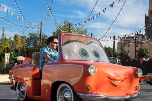 Cars Land en Disney's California Adventure, debutará nueva atracción (video)