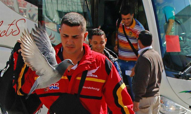 Miles de cubanos hacen escala en México antes de llegar a EEUU