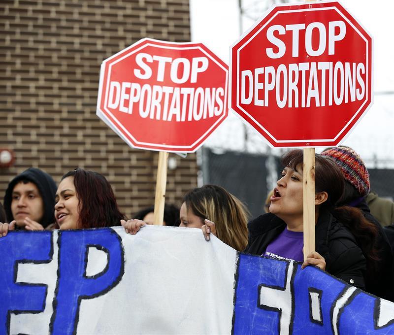 Suspenden deportación de dos jóvenes centroamericanos de Carolina del Norte