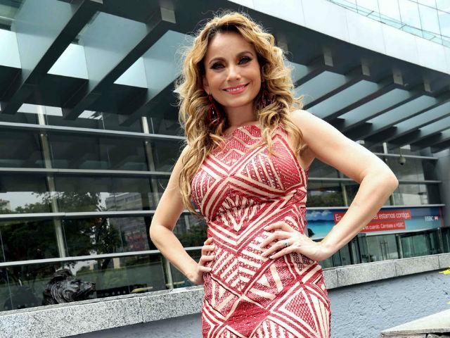 Foto: Elizabeth Álvarez desata polémica en redes tras mostrarse sin maquillaje