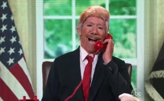 Mira al latino famoso que imitó a Trump en televisión nacional y fue expulsado