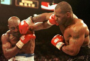 """Mike Tyson noquearía a Wilder en un minuto, asegura Jeff Fenech, ex entrenador de """"Iron Mike"""""""