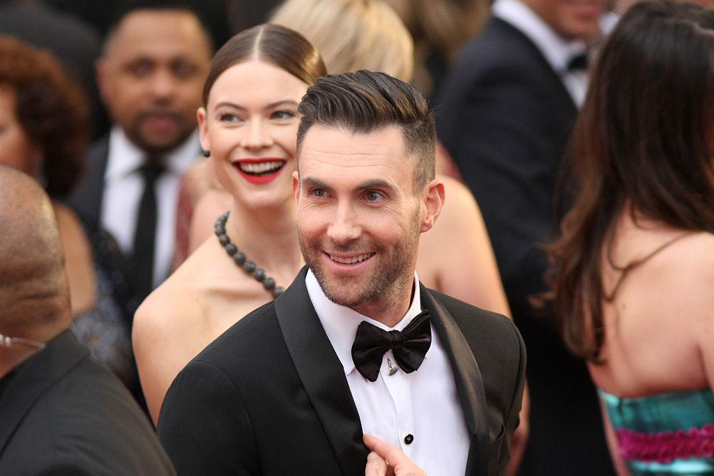 Por qué Adam Levine está feliz de llegar a los 40