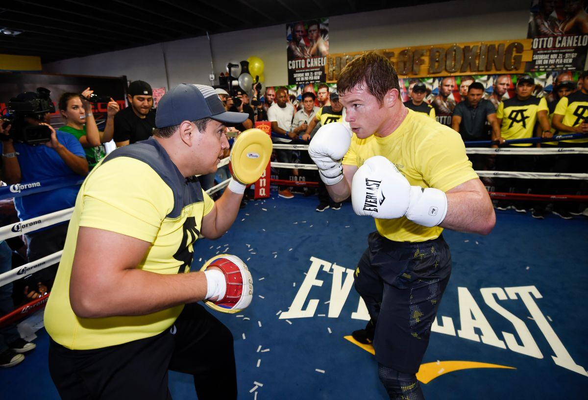 El entrenador de 'Canelo' Álvarez es un apasionado coleccionista de boxeo y gran fanático del Atlas