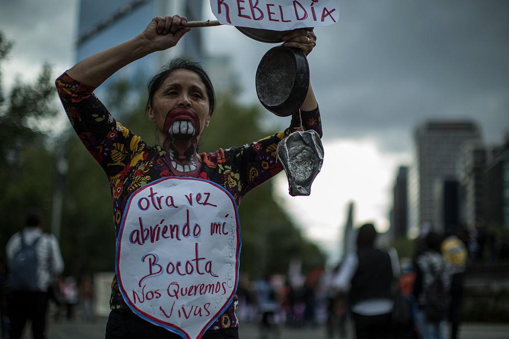 México tiene un promedio de siete mujeres asesinadas por día en 2015