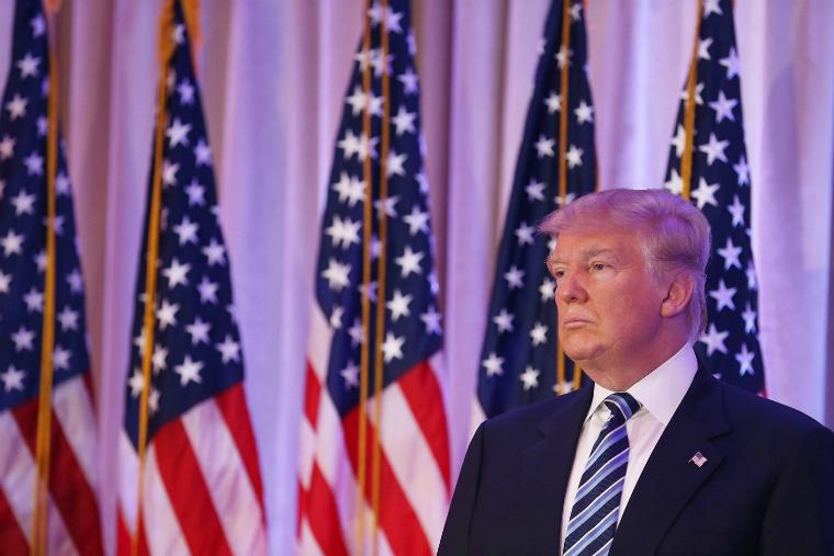 Trump da un giro en sus propuestas sobre el salario mínimo y los impuestos a los ricos
