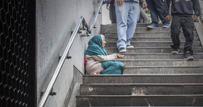 Detenido por obligar a su madre a pedir limosna en la Ciudad de México