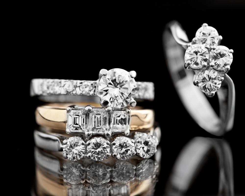 Los anillos de compromiso que las famosas han puesto de moda
