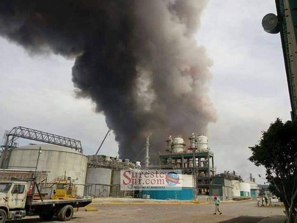 Sube a 27 la cifra de muertos en explosión de Pemex