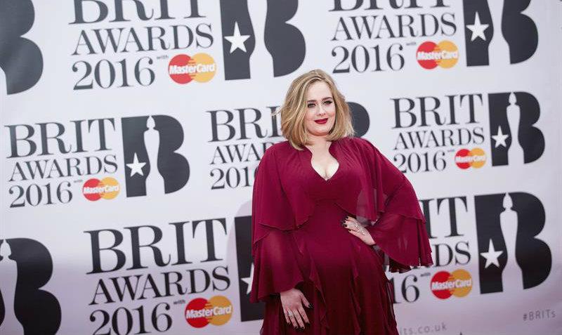 Adele es la cantante más rica en la historia del Reino Unido