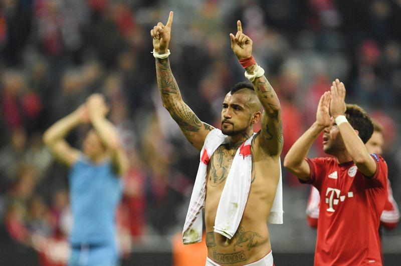 Video: El Bayern se impone por la mínima a un difícil Benfica