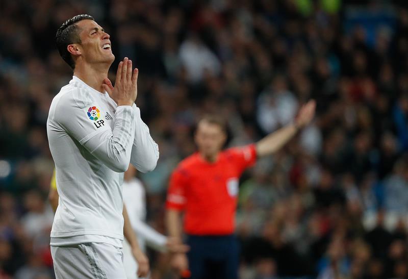 Médico portugués dice que Cristiano Ronaldo debe parar 18 días, si sufre microrrotura