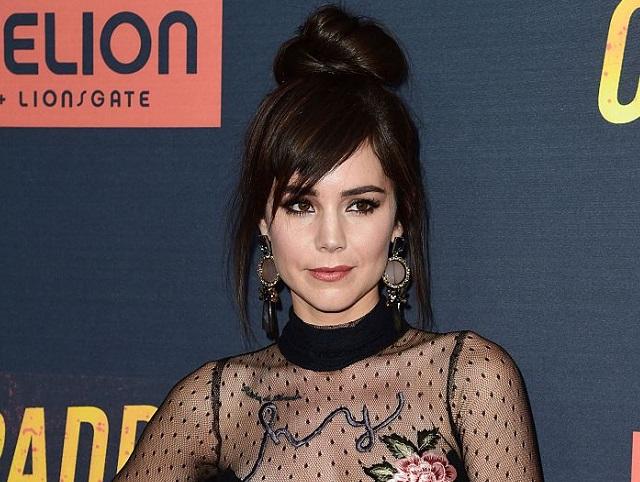 Camila Sodi presume cuerpazo en traje de baño desde Hawái