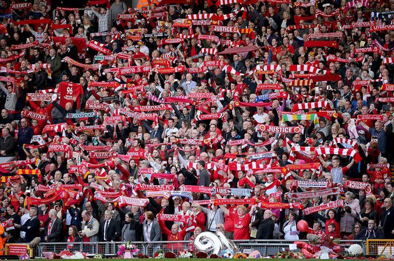 Anfield vibró una vez más, pero ahora al doble con las aficiones de Liverpool y Borussia cantando al unísono.