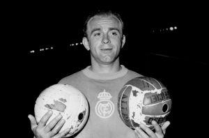 Quiénes son los 13 futbolistas que tienen más goles que Messi
