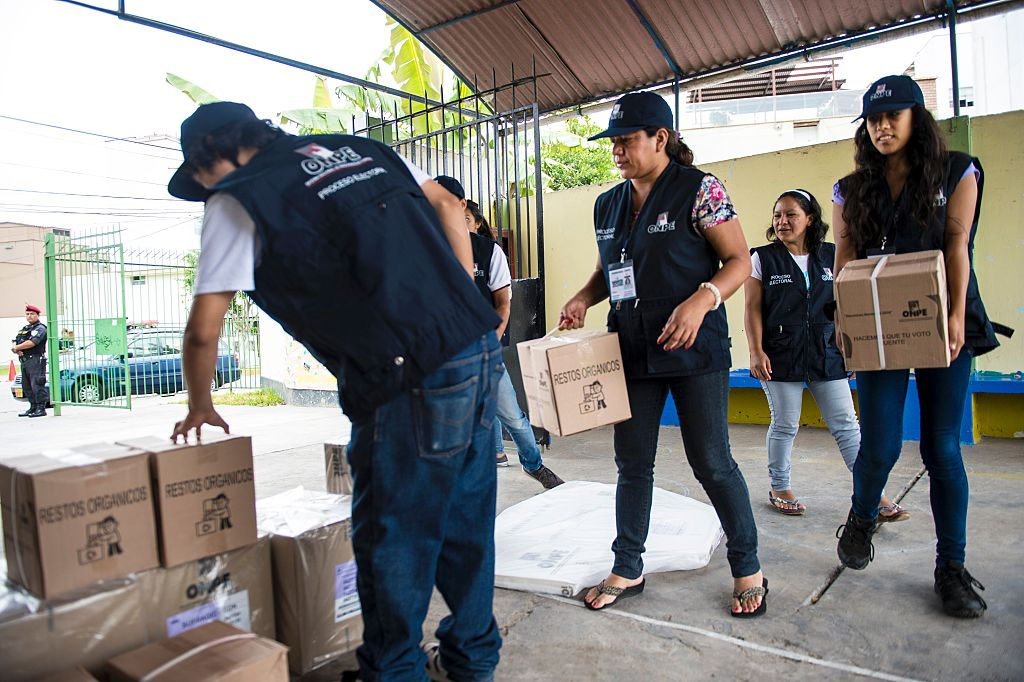 Las elecciones en Perú este domingo ya van mirando a la segunda vuelta