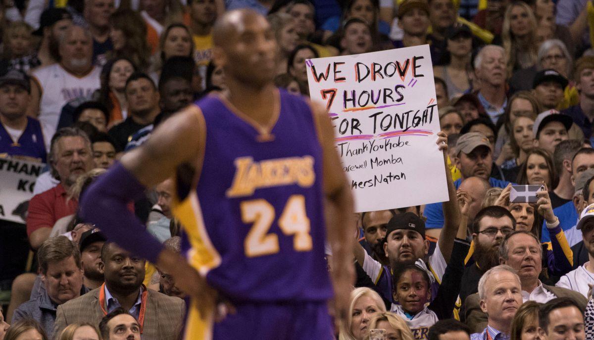Kobe Bryant hizo su último viaje con Lakers
