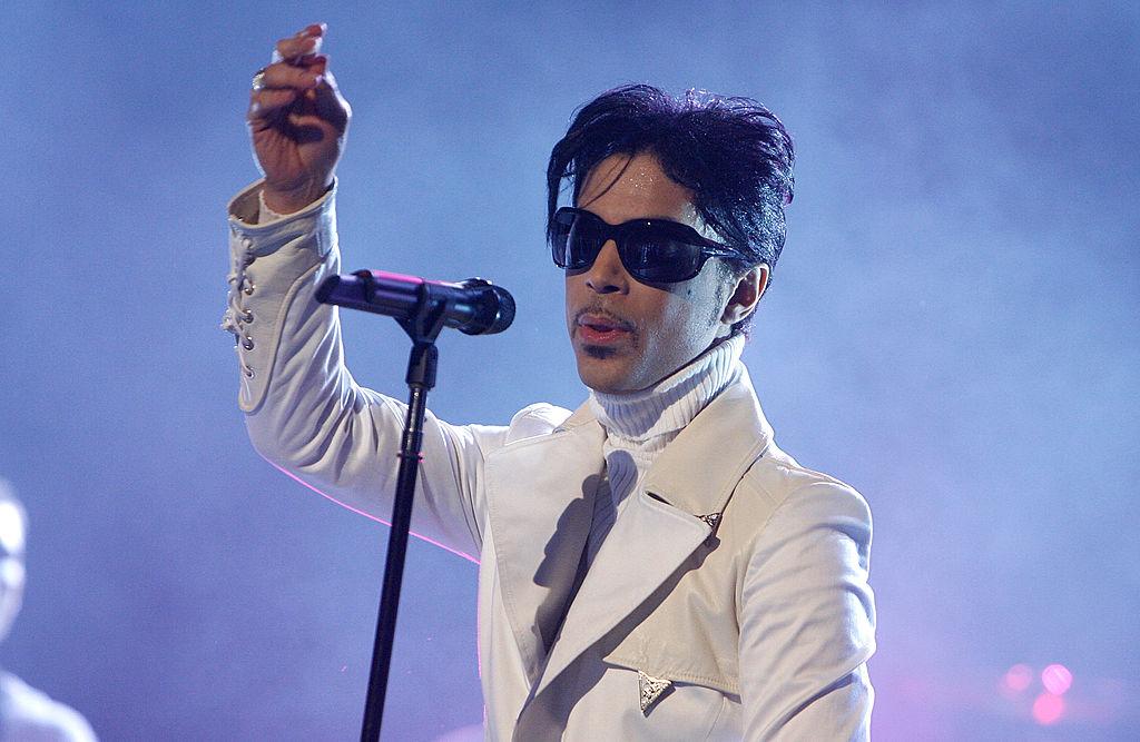 Prince es dado de alta tras haber sido hospitalizado de urgencia