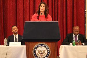 Exprisioneros, activistas y estrellas de la televisión piden al Congreso reforma judicial