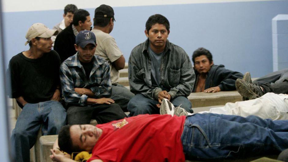 Cortes de inmigración tardan hasta 1,100 días en resolver casos