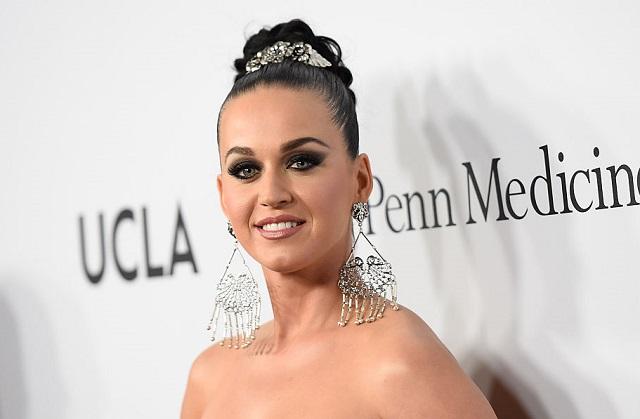 Gana Katy Perry pelea judicial a monjas