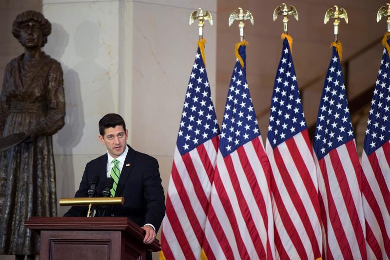 Paul Ryan impulsa avanzar en una solución a la deuda de Puerto Rico