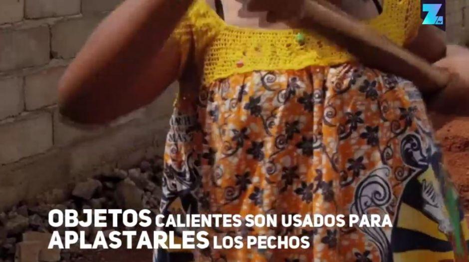"""VIDEO: Quemar los senos a las mujeres, una costumbre para """"protegerlas"""""""