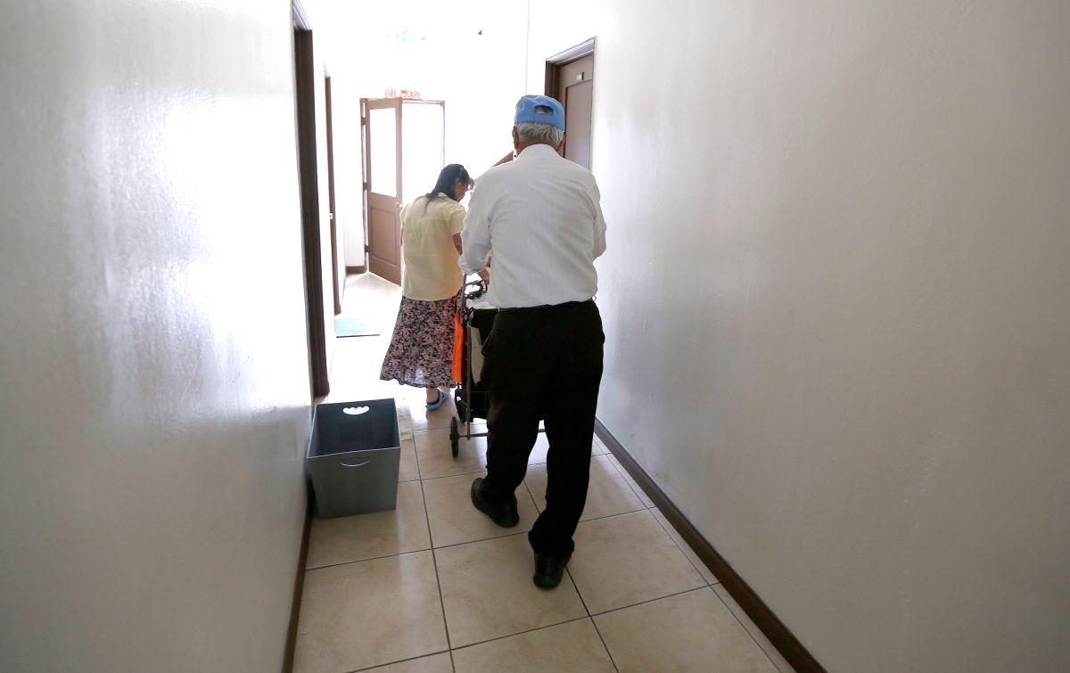 California busca proteger a inquilinos indocumentados de migración