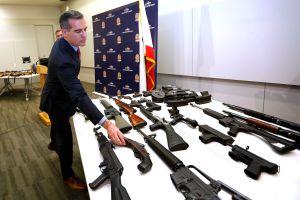LAPD reduce a cero el número de armas en manos prohibidas