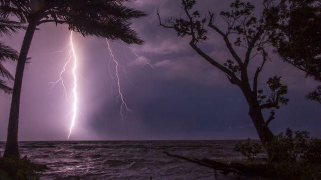 Por qué la NASA declaró al lago Maracaibo la capital mundial de los relámpagos