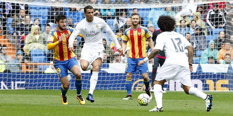 Video: Cristiano le responde a Messi con un golazo en el Real Madrid-Valencia