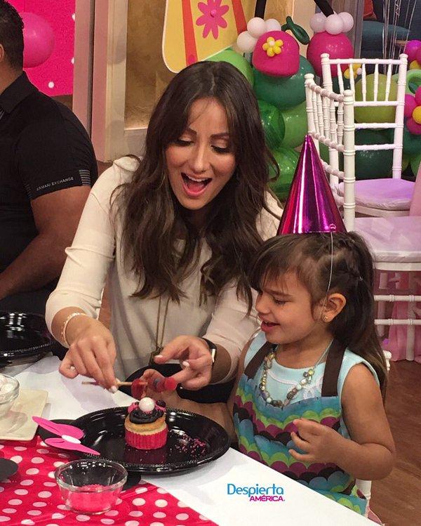 Karla Monroig tiene asesora de lujo para el cumpleaños de su hija amanda