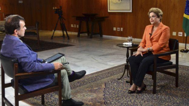 """Dilma Rousseff dio una entrevista exclusiva a la BBC y dijo que es una """"victima""""."""