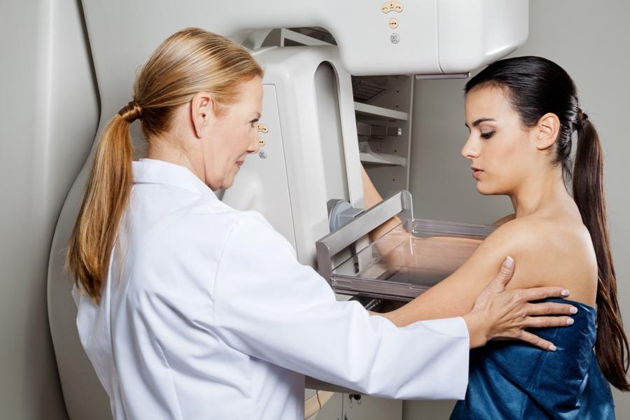 ¿Qué cosas debemos hacer antes de realizarnos una mamografía?