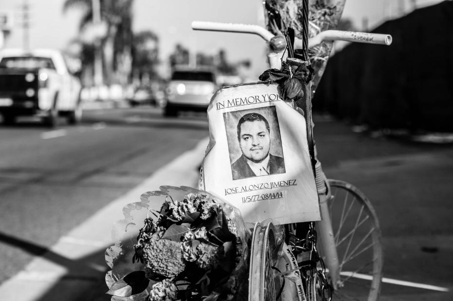 Fotos: Las 'bicicletas fantasma' que despiertan consciencia en calles de L.A.
