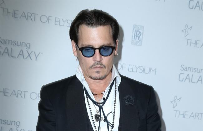 ¡Johnny Depp fue demandado por golpear a un miembro del equipo de su última película!