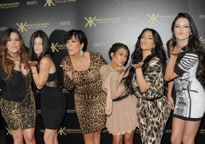 Las Kardashians viven en la cabeza de un hombre… ¡pero afeitadas!