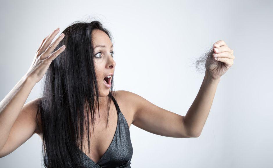 Cinco problemas de salud que provocan que se te caiga el pelo