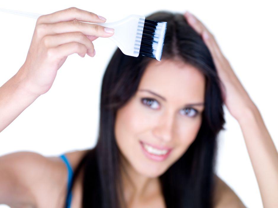 Cinco errores que debes evitar al teñir tu pelo en casa