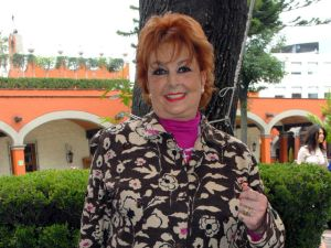 Aprende Talina Fernández a vivir con tumor inoperable