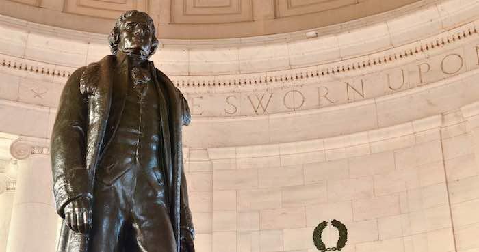 Subastan mechón de cabello de Thomas Jefferson
