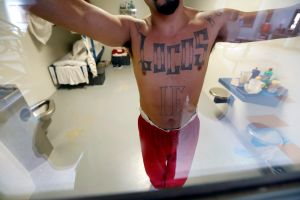 Detained Immigrants, at the Mercy of a Prison Gang War