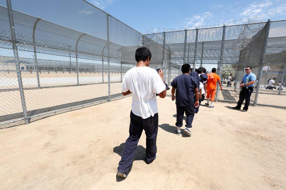 Republicanos defienden trabajos forzados de indocumentados en cárceles de ICE