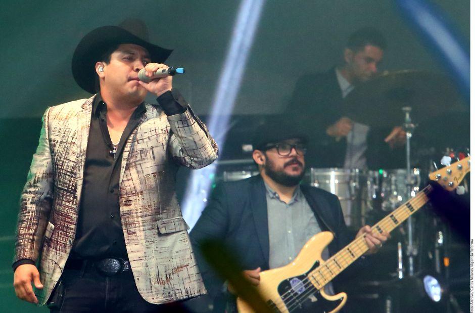 Video: Roban nombre de Julión Álvarez y cobran para devolvérselo
